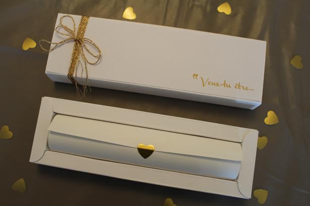 Jolie Boîte pour une jolie demande en officiant  © THE cérémonie