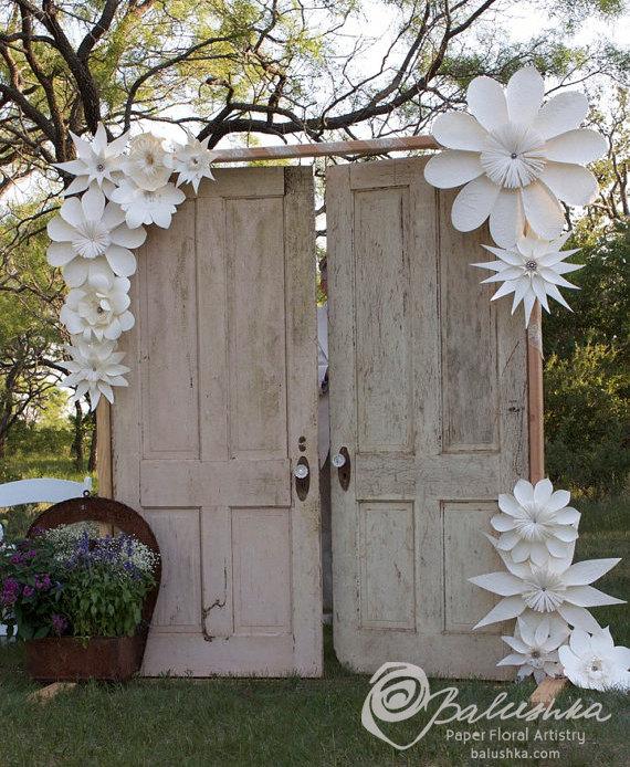 d corer votre c r monie la que avec des fleurs en papier. Black Bedroom Furniture Sets. Home Design Ideas