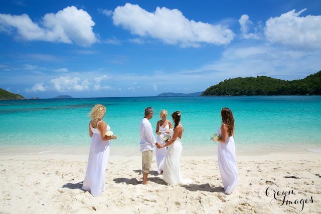 Cérémonie laïque sur une île