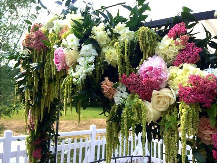 Arche fleurie cérémonie laïque