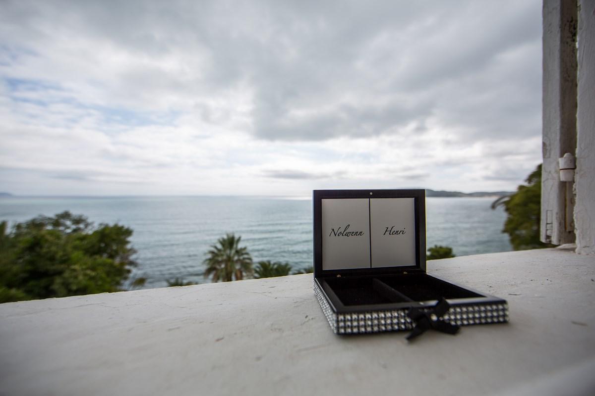 Boîte à alliances, boîte à vœux © Jean-Louis Brun