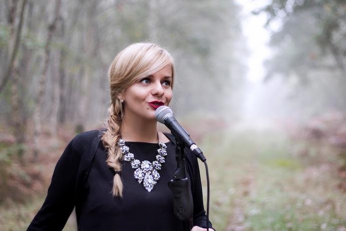 Margot, chanteuse cérémonie laïque (Orphée Musique)
