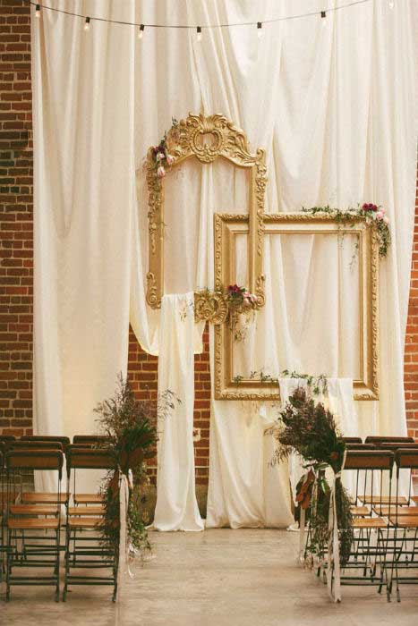 Déco romantique pour cérémonie laïque en intérieur