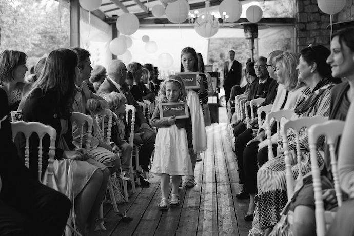 Arrivée des mariés cérémonie laïque (Diane & Jean-Seb)