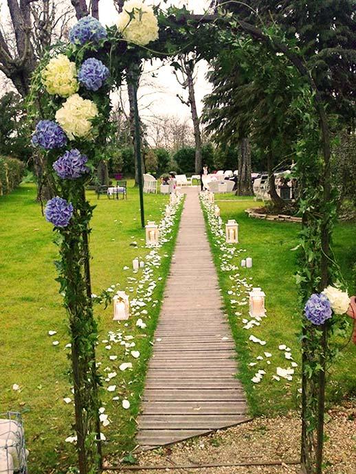 Arche de cérémonie laïque par Christian Collin fleuriste