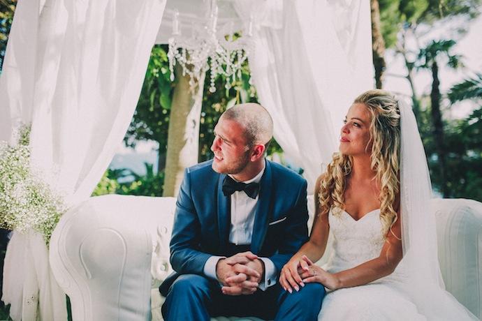 Alicia et Xavier pendant leur cérémonie de mariage laïque