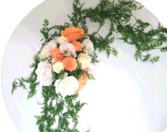 Guirlande fleurie pour arche de cérémonie laïque