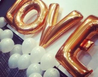 Ballons love pour cérémonie laïque