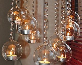 Guirlandes strass avec boules en verre pour cérémonie laïque