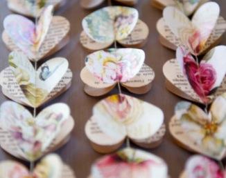 Guirlandes de coeur en papier pour arche de cérémonie laïque
