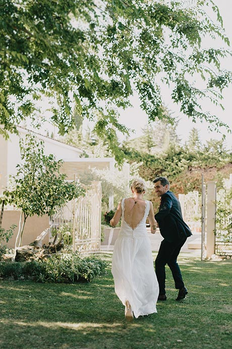 Sortie des mariés 2 - Cérémonie laïque de Caroline et Eric