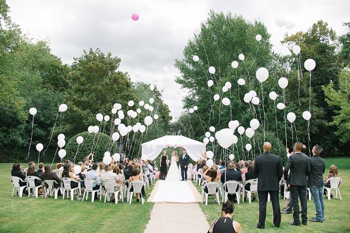 lcher de ballons pour rendre hommage aux disparus - Lacher De Ballons Mariage