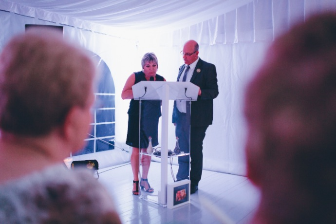 Discours des proches cérémonie laïque Tiphany & Florent © THE cérémonie / Mélanie Tuero Photographe