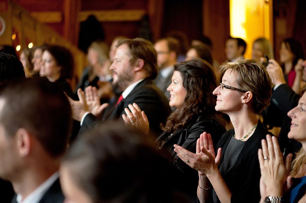 Applaudissements cérémonie laïque © Green Autumn Photography